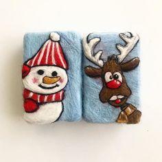 Hadi hiç bekletmeden ikisini bir arada paylaşayım. 🙈 Siz de sevdiklernize #yeniyıl da misss gibi kokan, farklı, tasarım, el emeği, kalıcı,… Felted Soap, Wet Felting, Needle Felting, Felt Christmas, Wool Felt, Autumn Winter Fashion, Coin Purse, Elsa, Crochet