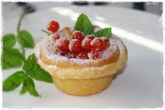 Cheesecakes mit Johannisbeerfüllung