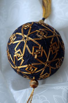 1 million+ Stunning Free Images to Use Anywhere Christmas Balls, Christmas Ornaments, Temari Patterns, Japan Crafts, Free To Use Images, Japanese Embroidery, Weaving Art, Christmas Centerpieces, Fabric Jewelry
