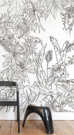 Papier peint Jungle Tropical Noir & Blanc pour Ohmywall créé par le duo d'artistes Caddous & Alvarez dans l'esprit d'une fresque murale. Version Panoramique. Leurs dessins, imaginés et tracés à quatre mains, font apparaitre un décor mural foisonnant, apaisant, évoquant une nature sauvage pure, l'éden au milieu de la forêt tropicale. 6 couleurs - 4 formats - 24 Possibilités. Tropical Jungle Wallpaper black and white, this tropical forest has the spirit of an eden, you are into the wild