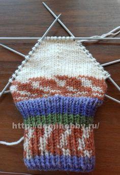 Вязание носков спицами Knitting Socks, Baby Knitting, Knitted Hats, Knit Socks, Cool Socks, Lana, Crochet Top, Knitting Patterns, Diy And Crafts