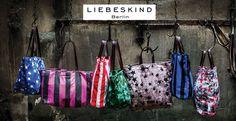 Ob Liebeskind Tasche oder Liebeskind Handtasche, ob Schultertasche, Beuteltaschen, Gürtel oder Geldbörsen, bei uns im Liebeskind Berlin Online Shop finden sie viele schöne Accessoires aus dem Hause Liebeskind Berlin.