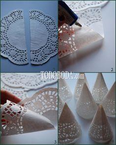 Vamos a darle un toque de lo más clásico a esta semana, con el tutorial que os presentamos. Utilizaremos blondas de papel para elaborar estos conos en los que colocaremos el tradicional arroz. Combinando los lazos con los colores de tu boda podemos darle nuestro toque más...