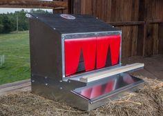 Reversible Rollaway Nest Box