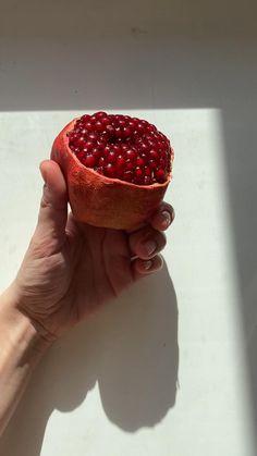 Sunset Photography, Nature Photography, Life Video, Minimalist Photography, Minimalist Lifestyle, Fruit Art, Art Of Living, Sunday Morning, Food Art