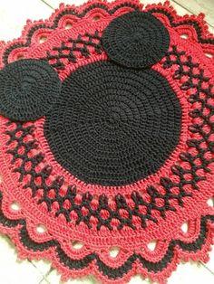 Compre Item de Decoração Feito A Mao Nunca Usado no enjoei :p lindo tapete do mickey mouse, ratinho mais famoso da disn.... Código: 25324625
