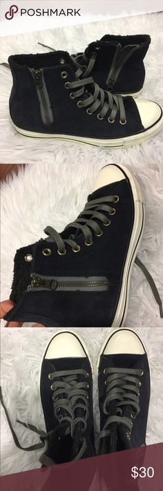 Navy Converse with warmth inside These converse have never been worn, which means no rips or stains. They are a pretty navy color and inside of them have warmth on the sides Converse Shoes Sneakers