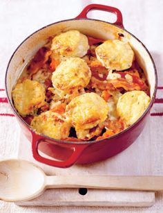 Not sweet but looks so good. Chicken casserole with cheesy herb dumplings from Rachel's Irish Family Food: 120 Classic Recipes from My Home to Yours by Rachel Allen Chicken Casserole, Casserole Recipes, Cookbook Recipes, Cooking Recipes, Ballymaloe Cookery School, Ireland Food, Irish Recipes, Healthy Eating Recipes, Rachel Allen