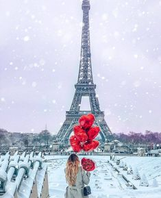 Torre Eiffel Paris, Paris Eiffel Tower, Balloons Photography, Paris Photography, Beautiful Paris, I Love Paris, Paris Girl, Paris Paris, Paris Wallpaper