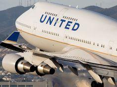 United Airlines Boeing 747-422 departing San Francisco International Airport