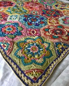 Transcendent Crochet a Solid Granny Square Ideas. Wonderful Crochet a Solid Granny Square Ideas That You Would Love. Crochet Mandala Pattern, Crochet Motifs, Crochet Quilt, Granny Square Crochet Pattern, Crochet Squares, Crochet Home, Crochet Blanket Patterns, Crochet Crafts, Crochet Projects