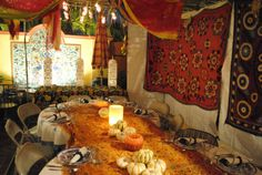 Beautiful sukkah! I would love to have a meal in there :)