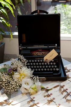 Vintage-Typewriter-Wedding-Guest-Book