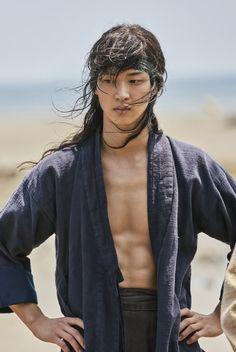 [Video + Photos] Trailer and New Stills Added for the Upcoming Korean Drama 'The Tale of Nokdu' Asian Men Long Hair, Hot Asian Men, Asian Actors, Korean Actors, Flower Crew, Kim Sohyun, Dramas, Movie Of The Week, Korean Shows