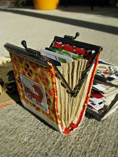 Accordion card wallets to sew. Someone make this for me!!! ^_^