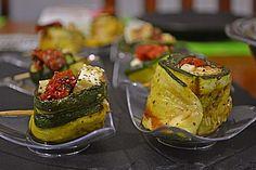 Eingelegte Zucchiniröllchen, ein tolles Rezept aus der Kategorie Vegetarisch. Bewertungen: 422. Durchschnitt: Ø 4,5.