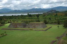 Te invitamos a conocer la Zona Arqueológica de #Ihuatzio a las orillas del Lago de #Pátzcuaro, con una hermosa vista de la Isla de #Janitzio