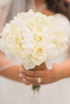 Rose & peony bouquet. #Wedding #bouquet