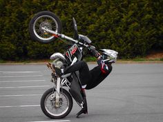 2004 Throw back thursday with my first stunt bike Derbi DRD 50cc scartchin the stock ass #tbt #throwbackthursday #derbi #drd #50cc #agv #alpinestars #marzocchi #parking #auchan #fachesthumesnil #chtis #lille #police #freestylelifestyle #wheelie #supermotard #supermoto #braaap #bikelife #cops #stuntlife #12oclock #training #black #ink #chrome #dvsshoes by cyssko