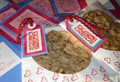 Super simple- take a paper CD sleeve, decorate and enclose a big cookie!