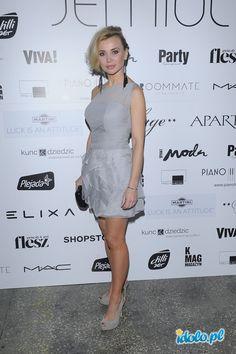 krótka sukienka w kolorze szarym - Lidia Kopania