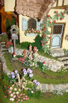 Pix by Connie Sauve - NAME Tuscon Miniature Show