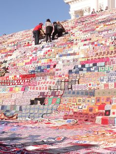 Knit 'n Pearl: World's Largest Crochet Quilt
