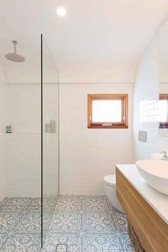 House Rules reveal: Katie & Alex's crumbling cottage transformation - Homes, Bathroom, Kitchen & Outdoor Beach House Bathroom, Simple Bathroom, Modern Bathroom, French Bathroom, Beach Bathrooms, Boho Bathroom, Hall Bathroom, Bathroom Small, Minimalist Bathroom