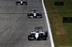 GP AUSTRIA, 22.06.2014- Gara, Valtteri Bottas (FIN) Williams F1 Team FW36 davanti a Nico Rosberg (GER) Mercedes AMG F1 W05