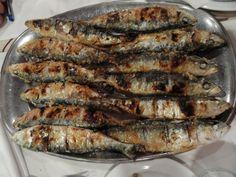 -... comidas sobre o pão e acompanhadas de pimentão vermelho descascado Portuguese gastronomy