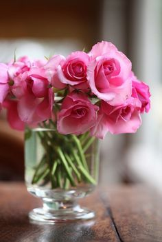 Save your bouquet of cut flowers by mixing a few drops of vodka with a teaspoon of sugar. This combination will prohibit the production of ethylene, which makes flowers wilt. My Flower, Fresh Flowers, Pretty In Pink, Pink Flowers, Beautiful Flowers, Deco Floral, Flower Making, Artificial Flowers, Floral Arrangements