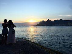 E a semana vai acabando... Bom carnaval pra todos!  #sunset #Ipanema #carnaval #RiodeJaneiro #MaiorViagem #Arpoador #cariocagram #instatravel #BlogdeViagem #carioquissimo #beach #partiu #praia by maiorviagem