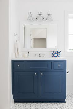 Ideas Farmhouse Bathroom Vanity Paint Colors For 2019 Farmhouse Bathroom Sink, Navy Bathroom, Bathroom Interior, Master Bathroom, Bathroom Sinks, Bathroom Ideas, Bathroom Inspiration, Bathroom Cabinet Paint, Farmhouse Cabinets