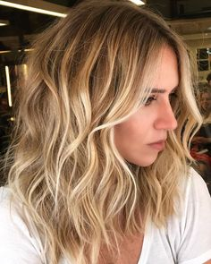 blonde hairstyles trend for young girls in 2019 summer Old Hairstyles, Winter Hairstyles, Hairstyle Ideas, Blonde Hairstyles, Balayage Hair, Ombre Hair, Medium Hair Styles, Short Hair Styles, Hair Highlights