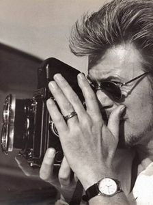 David Bowie: Famous people with Rolleiflex TLR Cameras #imagescameras
