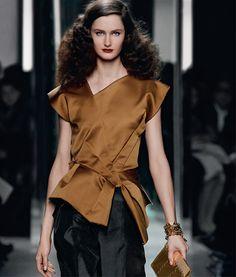 Shop Bottega Veneta®, the world's premier luxury fashion brand long celebrated for its extraordinary handbags, fashion, and leather goods.