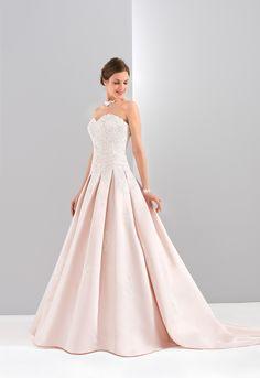 Vestido de Noiva de Eglantine Créations (Parisienne), corte princesa, decote coração, longo, sem mangas