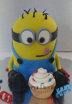 A minion cake - by Sugar dreams @ CakesDecor.com - cake decorating website
