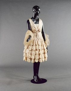 Woman Author / Function author / Dating / Place of Performance Attributed to Jeanne Lanvin Couturier 1928 30s Fashion, French Fashion, Art Deco Fashion, Fashion History, Vintage Fashion, Vintage Vogue, School Fashion, Jeanne Lanvin, Vintage Dresses