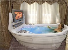 Ultimate bath tub- big enough for two!