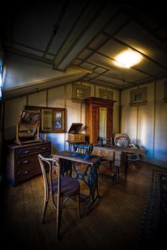 Winchester Mystery House: Sewing Room