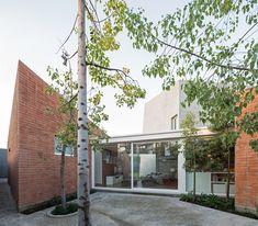 Galería de Casa entre Patios / Enrique Browne + Tomás Swett - 8