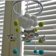 Love this owl mobile... Maybe I could find individual parts and put together.