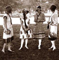 Vintage Fashion Four well dressed gals sporting fashions by Ascot, May Art Deco Fashion, Retro Fashion, Vintage Fashion, Fashion Prints, 1920s Fashion Dresses, Fashion 1920s, 1920s Dress, Dress Fashion, Fashion Fashion