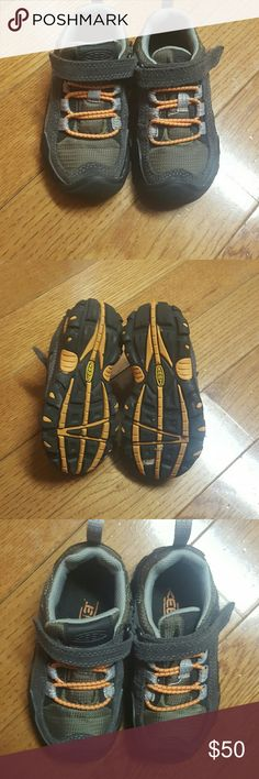 Keen Boys Hiking Shoes sz9 Like new Keen Hiking Shoes. Keen Shoes Baby & Walker
