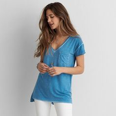 AEO Soft & Sexy V-Neck Pocket T-Shirt ($25) ❤ liked on Polyvore featuring tops, t-shirts, blue, v neck jersey, sexy tops, v neck tee, blue top and blue v neck t shirt