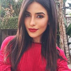 Sazan Hendrix rot dunkelbraunes Haar - List of the most beautiful makeup Long Face Hairstyles, Trendy Hairstyles, Straight Hairstyles, Maybelline, Make Up Gesicht, Looks Dark, Long Faces, Super Hair, Gorgeous Makeup