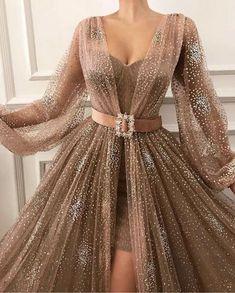 kleider sale Source by Black Evening Dresses, Elegant Dresses, Pretty Dresses, Formal Dresses, Casual Dresses, Awesome Dresses, Prom Dresses Long With Sleeves, Evening Gowns With Sleeves, Long Dresses