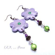 Boucles d'oreilles fleurette violette pâle par 123 fimo