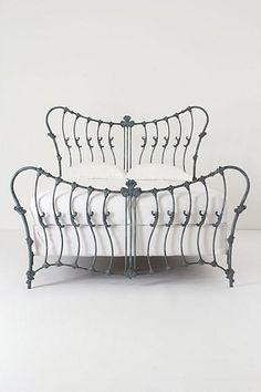 Muebles de hierro forjado. Decoración del hogar.